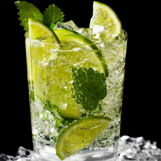 Caipirinha. Το βραζιλιάνικο cocktail | tlife.gr