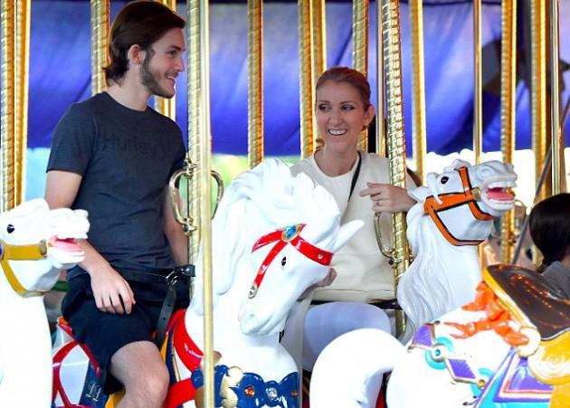 Celine Dion: Mε τους γιους της στη Disneyland για να γιορτάσουν τα πρώτα γενέθλια των διδύμων μετά τον θάνατο του René Angélil