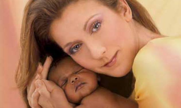 Η Celine Dion έφερε στον κόσμο δύο αγοράκια!