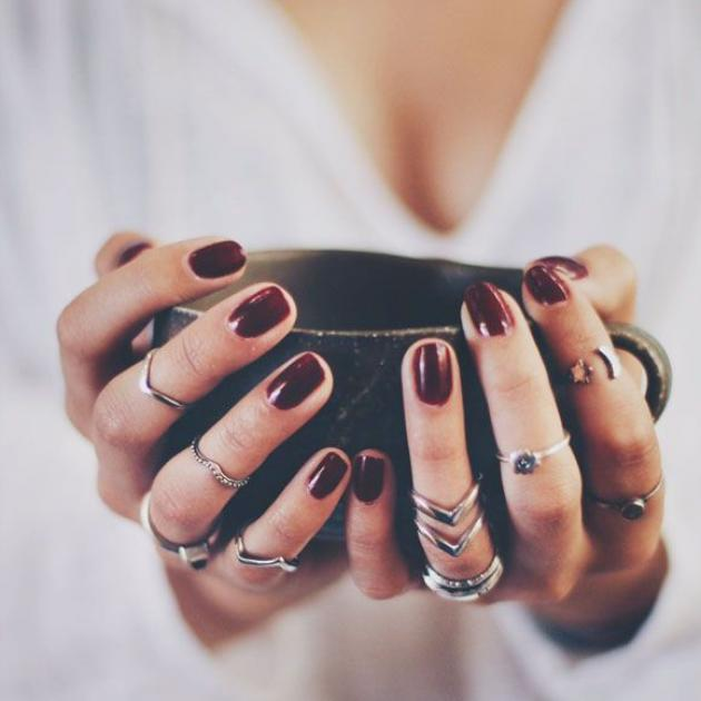 Γιατί να βάλεις διαφανές βερνίκι στα αξεσουάρ σου! | tlife.gr