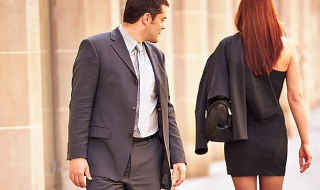 Παραιτήθηκε υπουργός επειδή η γυναίκα του ήταν άπιστη | tlife.gr