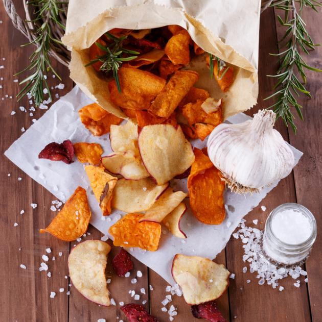Φτιάξε τα δικά σου chips λαχανικών… τόσο απλά! | tlife.gr