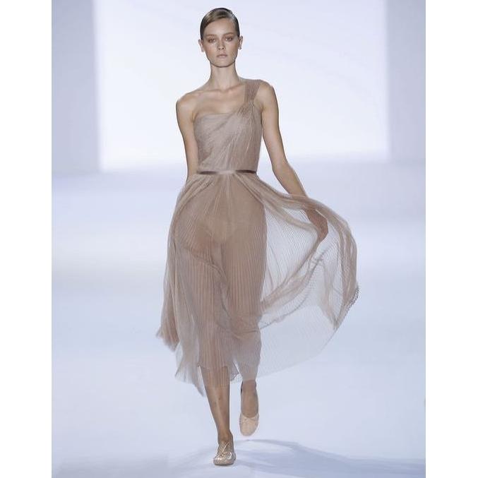 Διαφάνειες: Τι να φορέσεις από κάτω. | tlife.gr