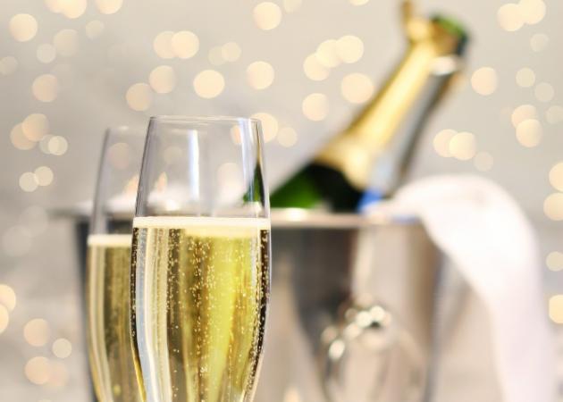 It's party time! Ξέρεις όμως πόσες θερμίδες έχει το ποτό σου;