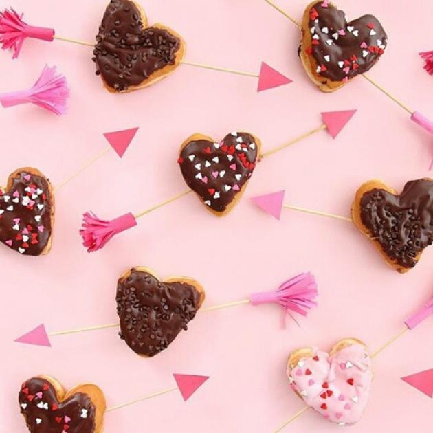 Το trick που θα σε σώσει από το να κάνεις υπερβολές με τα γλυκά! | tlife.gr