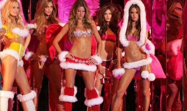 Οι άγγελοι της Victoria's Secret λένε τα κάλαντα με τον δικό τους τρόπο! Δες βίντεο