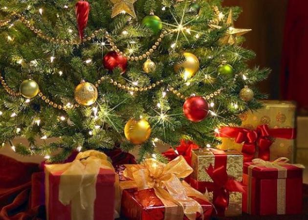 Όσα δεν ξέρετε για το Χριστουγεννιάτικο δέντρο: Ξενόφερτο η ελληνικό έθιμο; | tlife.gr
