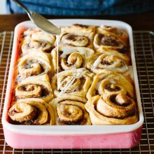 Σπιτικά cinnamon rolls