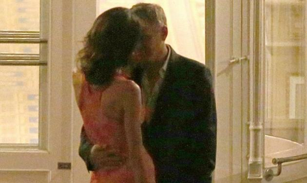 Αυτό είναι έρωτας! Ο George Clooney με την Amal αγκαλιασμένοι σε βραδινή έξοδο | tlife.gr
