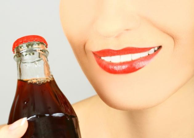 Αναψυκτικά και χυμοί: Ο λόγος για να πάρεις κιλά χωρίς να το καταλάβεις