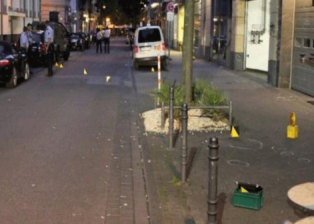 Πανικός ξανά στην Κολωνία! Επίθεση με τσεκούρια και πυροβολισμοί!   tlife.gr