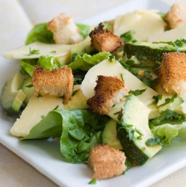 Σαλάτα με ρόκα και αβοκάντο