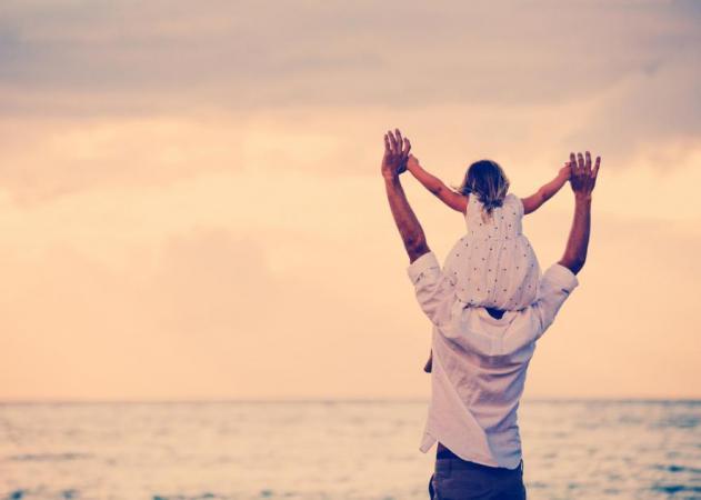Γιατί οι γυναίκες επιλέγουν σύντροφο έχοντας σαν πρότυπο τον μπαμπά τους | tlife.gr