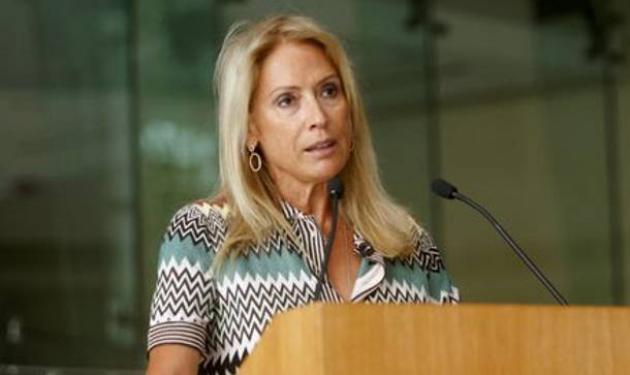Επίθεση κατά της Α. Νταλάρα – Της πέταξαν μπουκάλια και πέτρες | tlife.gr