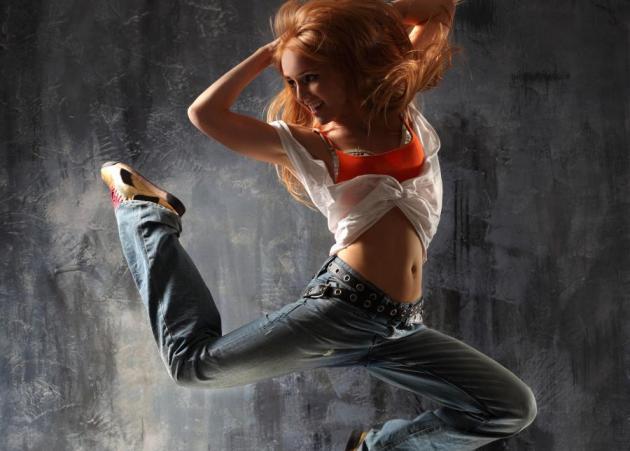 Zumba: Γυμνάσου χορεύοντας | tlife.gr