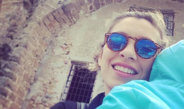 Σύλβια Δεληκούρα: Με το μωρό της και την όμορφη μητέρα της στην Κρήτη!