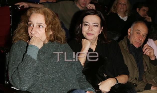 Η κόρη και η πρώτη σύζυγος του Διαγόρα Χρονόπουλου τον αποχαιρέτησαν ξανά σε κλίμα συγκίνησης στο Θέατρο Τέχνης