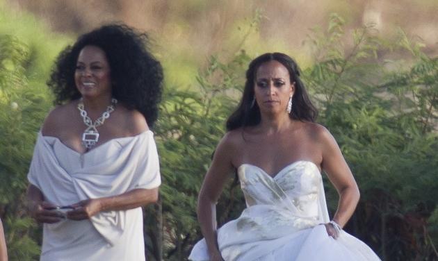 Diana Ross: Πάντρεψε την κόρη της στην Χαβάη κι έκλεψε τις εντυπώσεις με την εμφάνισή της στα 71 της χρόνια! Φωτογραφίες