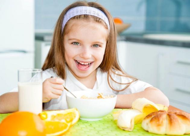 Σχολική διατροφή: Τι πρέπει να τρώει ένας μικρός μαθητής; Οι συμβουλές του ειδικού!