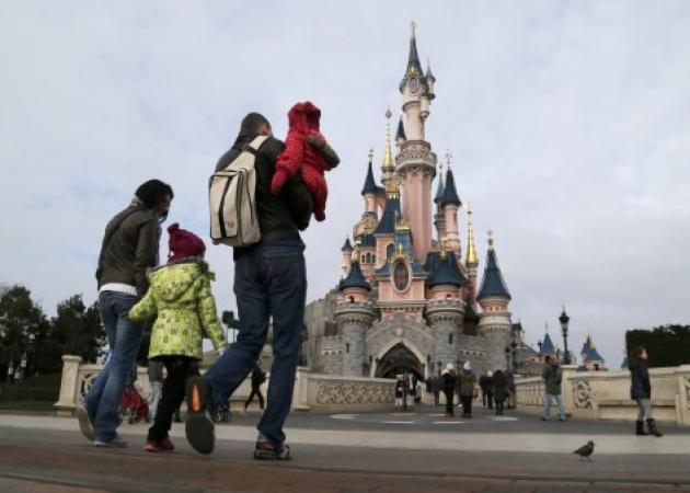 Συναγερμός στη Disneyland! Εντοπίστηκε άνδρας που οπλοφορούσε!