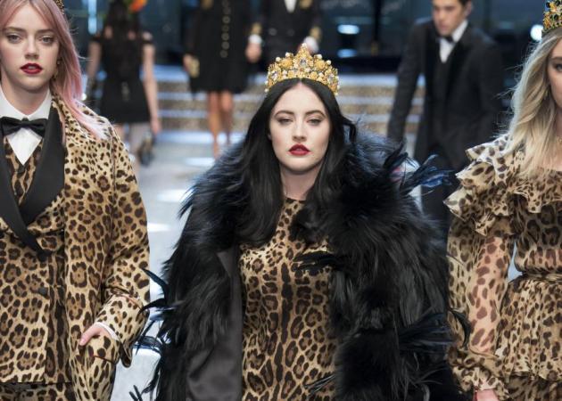 Αυτό το μοντέλο των Dolce & Gabbana θα γίνει το αγαπημένο σου. Και πρέπει να δεις τον λόγο
