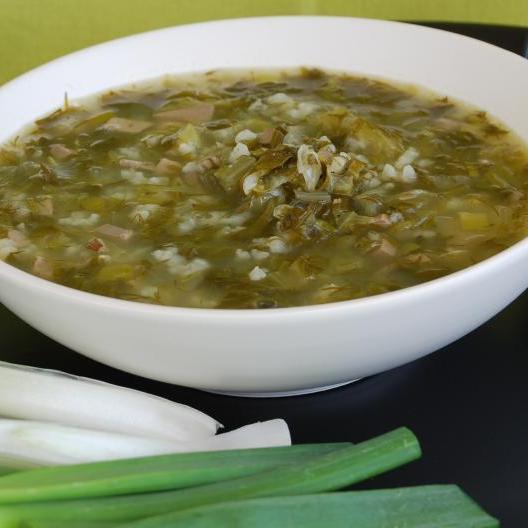 Παραδοσιακή πασχαλινή μαγειρίτσα