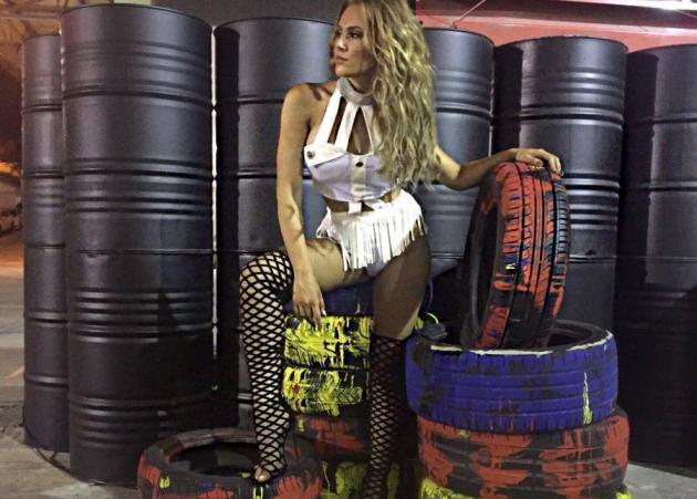 OtherView: Η hot εμφάνιση στον ημιτελικό του X Factor και η συνάντηση με τον Σάκη Ρουβά στο Aκρωτήρι!