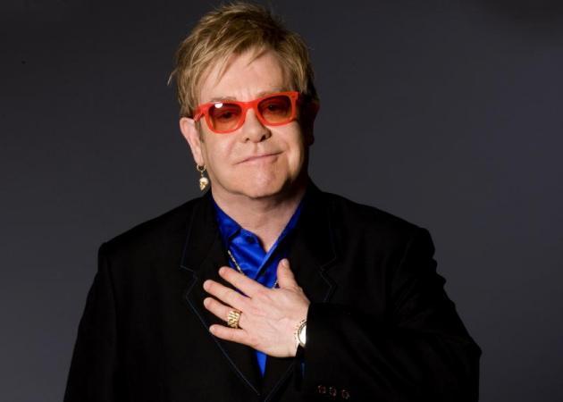 Ξεπέρασε τον κίνδυνο ο Elton John – Το πρώτο μήνυμα μετά τη σοβαρή περιπέτεια υγείας | tlife.gr