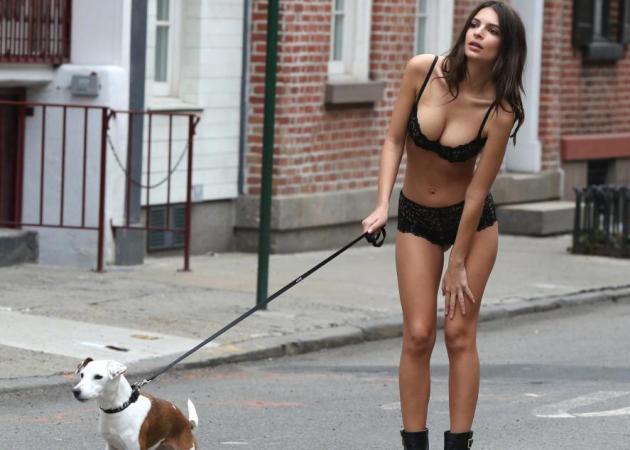 Διάσημο μοντέλο βγήκε βόλτα με τα εσώρουχα στους δρόμους της Νέας Υόρκης! [pics]