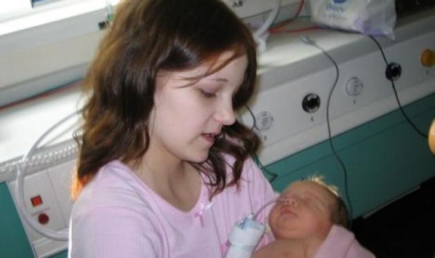 Γέννησε στα 12 της χρόνια – Διεκδικεί το παιδί που της πήραν! | tlife.gr