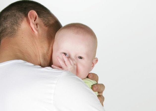Tips για να βοηθήσεις την σύζυγο-μητέρα να ξεπεράσει την επιλόχεια κατάθλιψη! | tlife.gr