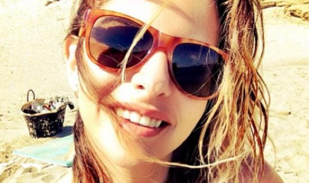 Ε. Κούρκουλου: Δεν σταματά να απολαμβάνει το καλοκαίρι! Φωτογραφίες