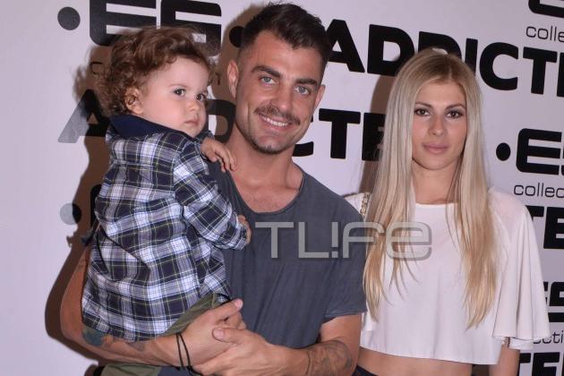 Στέλιος Χανταμπάκης – Όλγα Πηλιάκη: Με το γιο τους σε εγκαίνια καταστήματος ρούχων! | tlife.gr
