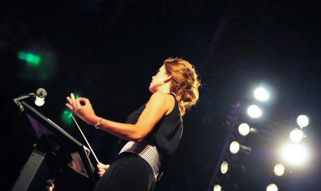 Ε. Μανωλίδου: Αποθεώθηκε στην συναυλία στα Ιωάννινα! Φωτογραφίες