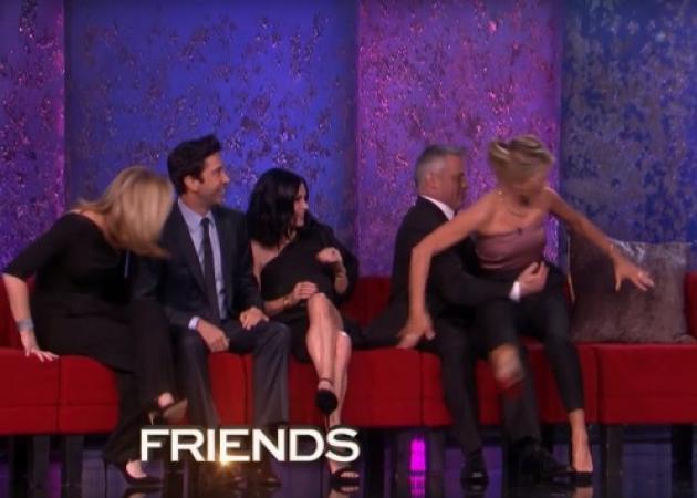 Φιλαράκια: Το reunion και η άβολη ερώτηση για το σεξ μεταξύ τους!   tlife.gr
