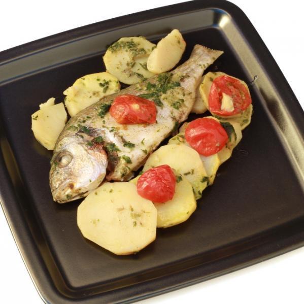 Ψάρι στο φούρνο με δενδρολίβανο
