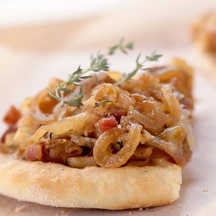 Πίτσα με καραμελωμένα κρεμμύδια   tlife.gr