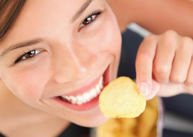 Γιατί όταν τρως πατατάκια δεν μπορείς να σταματήσεις