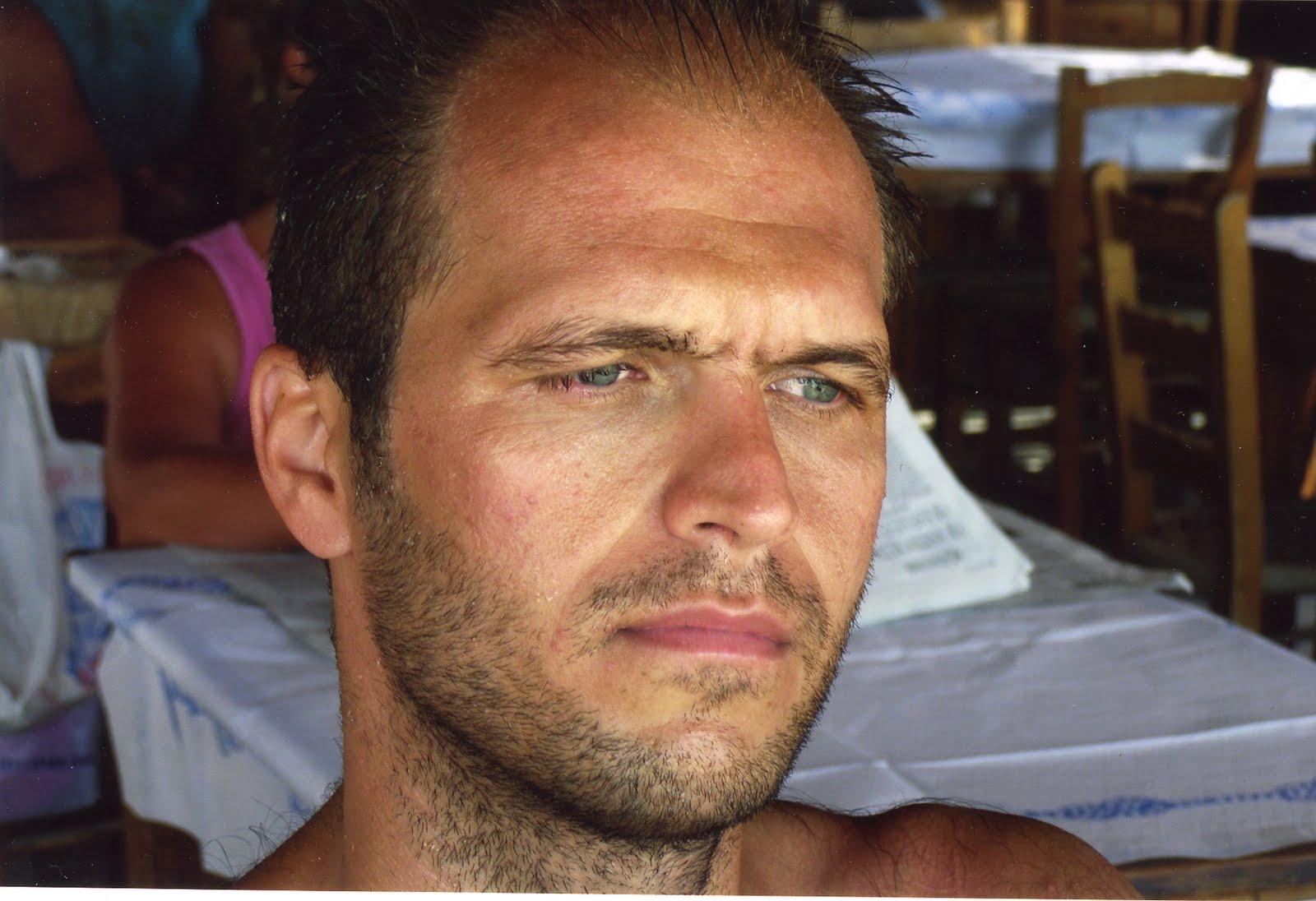 Λ. Φούντας: Διευθυντής εταιρείας, γιός γιατρών και ανηψιός βουλευτή   tlife.gr