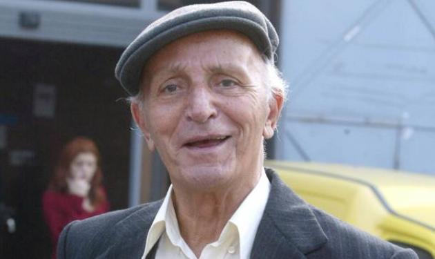 Ο γιος του Φούντα ξεσπά: »Δεν γνώριζα ότι πέθαινε ο πατέρας μου»   tlife.gr