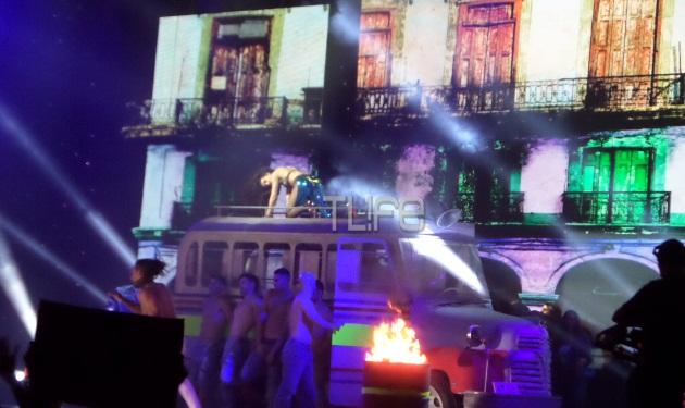 Το sexy ντουέτο της Ελένης Φουρέιρα στο φινάλε των Mad VMA!