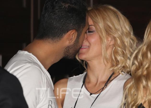 Εύη Φραγκάκη: Αγκαλιές και φιλιά με τον σύντροφό της σε βραδινή έξοδο!