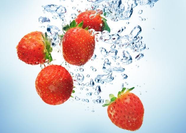 Φρούτα: τα έπλυνες σωστά ή θα τρέχουμε καλοκαιριάτικα; | tlife.gr