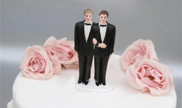 Έλληνας παντρεύτηκε Αμερικάνο και πήρε το επίθετό του! | tlife.gr