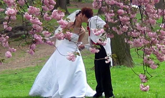 c12f7f23486 Σκέφτεσαι να παντρευτείς; Μάθε πώς θα το κάνεις με λίγα χρήματα! - TLIFE