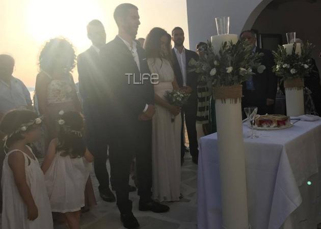 Άννα Μπουσδούκου – Σταύρος Ιωαννίδης: Φωτογραφίες από τον ρομαντικό τους γάμο στην Αντίπαρο