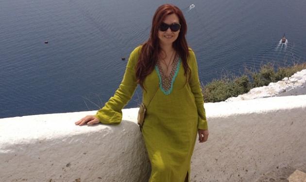 Κ. Γαρμπή: Καλοκαιρινή εξόρμηση στη Σαντορίνη! | tlife.gr