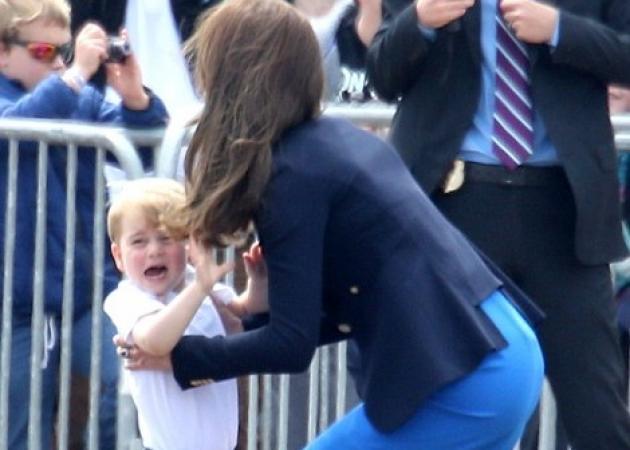 Το ξέσπασμα του μικρού πρίγκιπα! Άρχισε να κλαίει για να τον πάρει αγκαλιά η Kate | tlife.gr