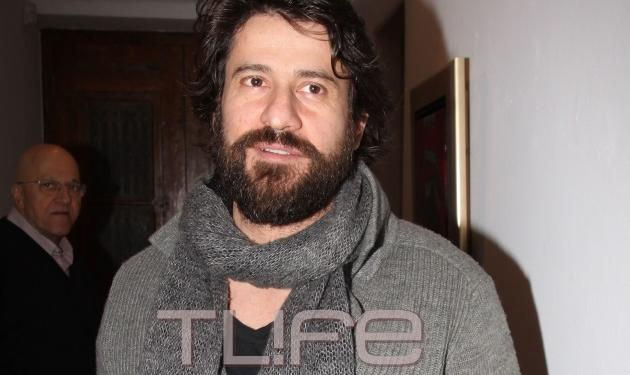 Αλέξης Γεωργούλης: Με νέο look στην ιδιαίτερη πατρίδα του! | tlife.gr