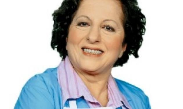 Ε. Γερασιμίδου στο TLIFE: »Δεν μου αρέσει η τηλεόραση γιατί προβάλλει μόνο το αρνητικό»! | tlife.gr